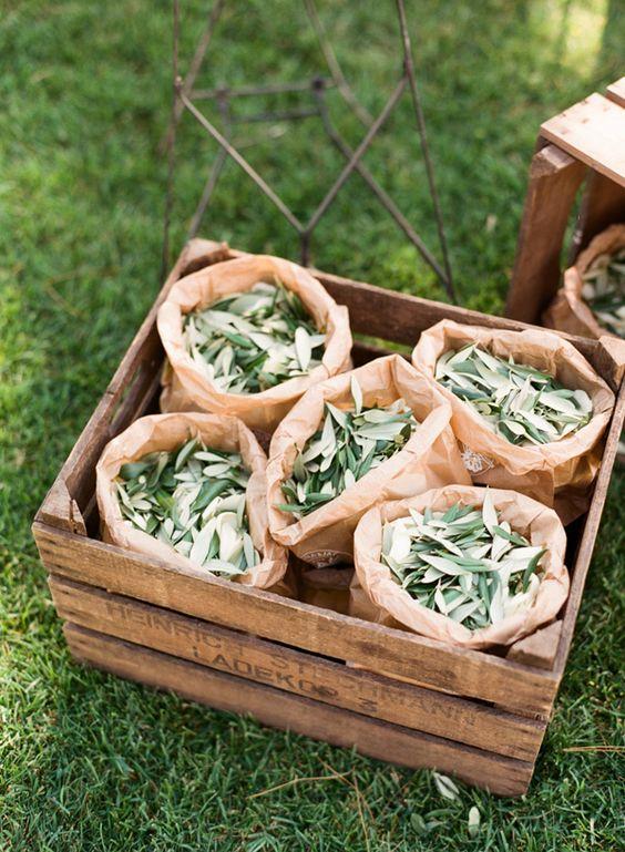 Alternativa al lancio del riso: le foglie