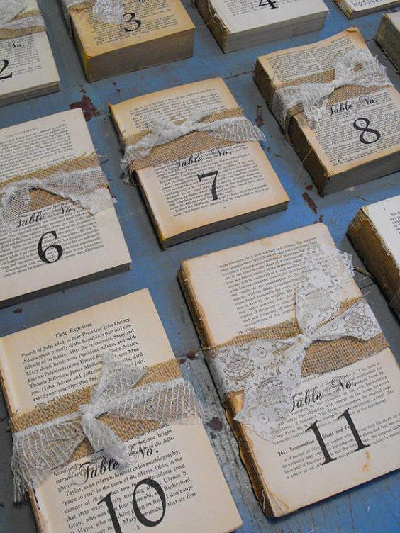 tableau mariage originale con i libri