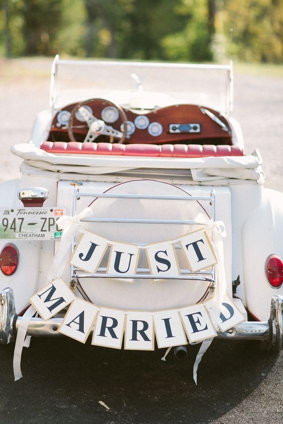 come addobbare l'auto degli sposi con le bandierine