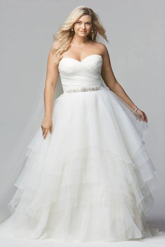 e20558c0c615 abiti da sposa taglie forti senza spalline e scollo a cuore