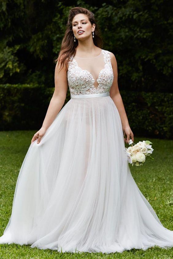 Vestiti Da Sposa Taglia 46.Vestiti Sposa In Carne Quali Indossare Sposiamoci Risparmiando