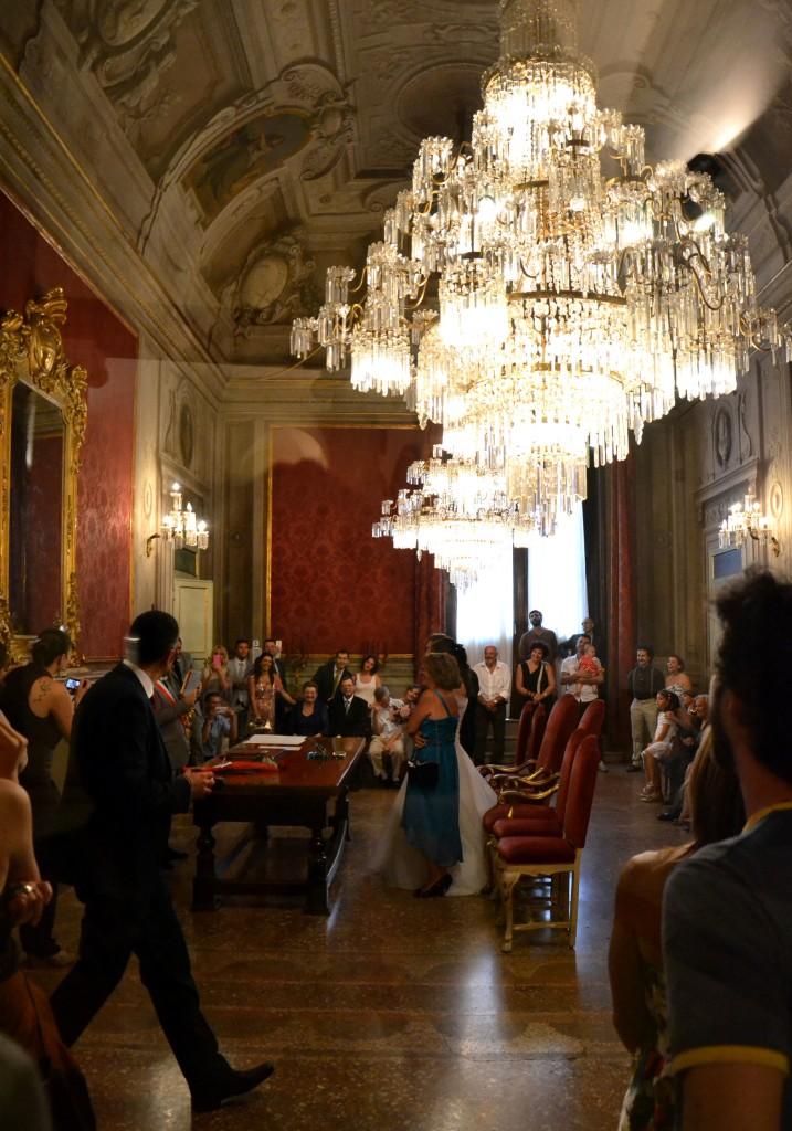 matrimonio solidale con rito civile in sala rossa, comune bologna