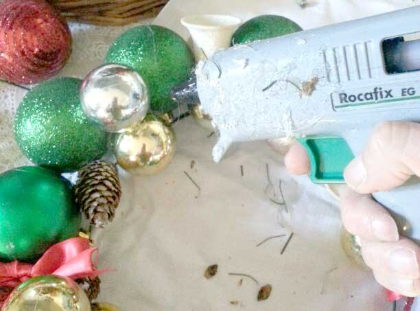 Come fare una ghirlanda natalizia