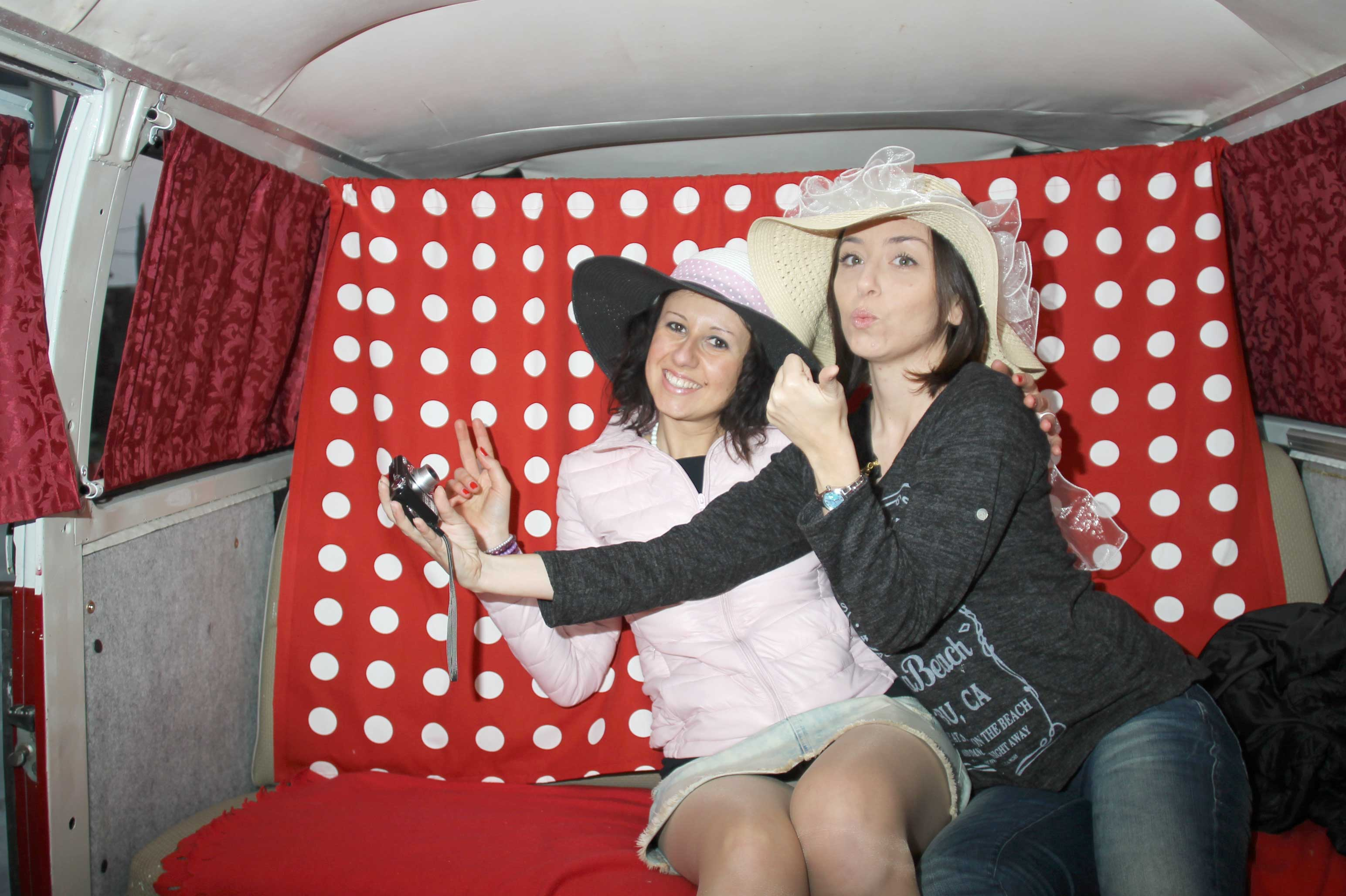 photo booth per matrimonio in volkswagen