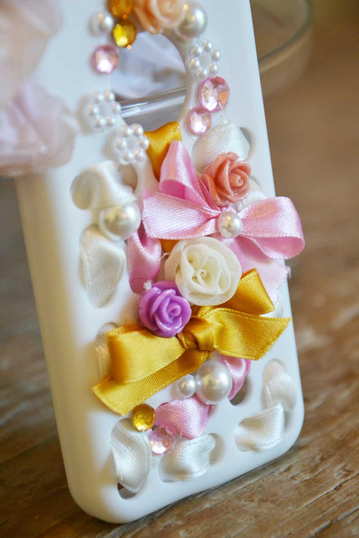 cover sposa con fiori e perle per matrimoni social