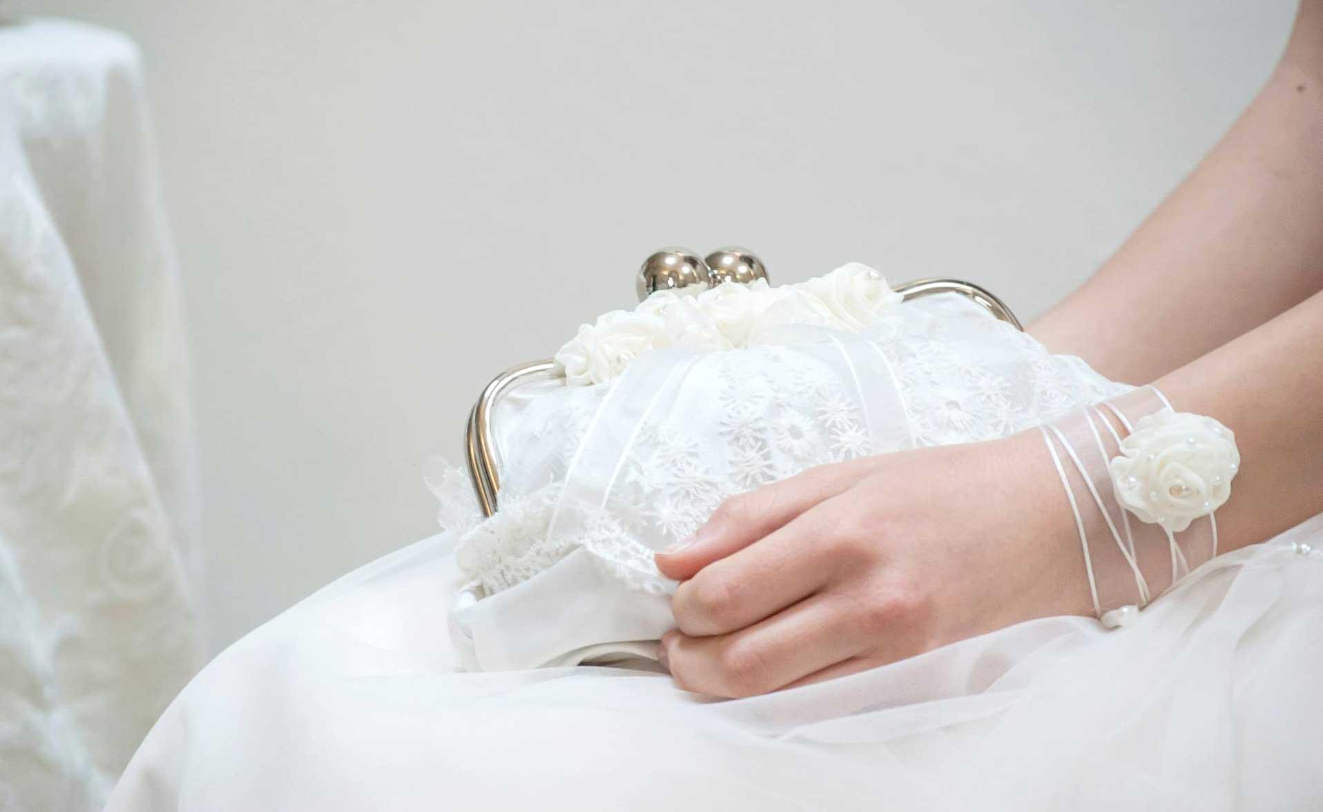 accessori sposa: borsetta fatta a mano