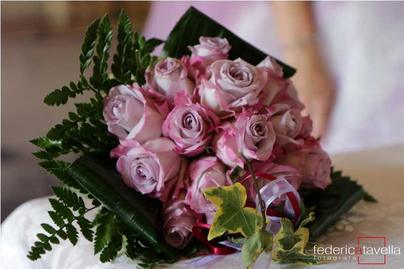 bouquet-sposa con rose viola