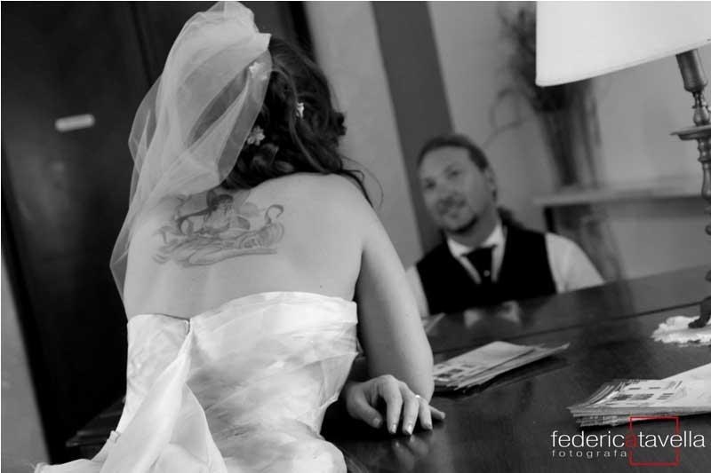 sposa con tatuaggio
