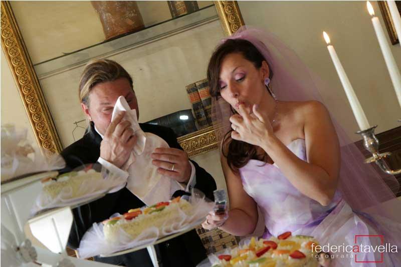 taglio della torta di nozze