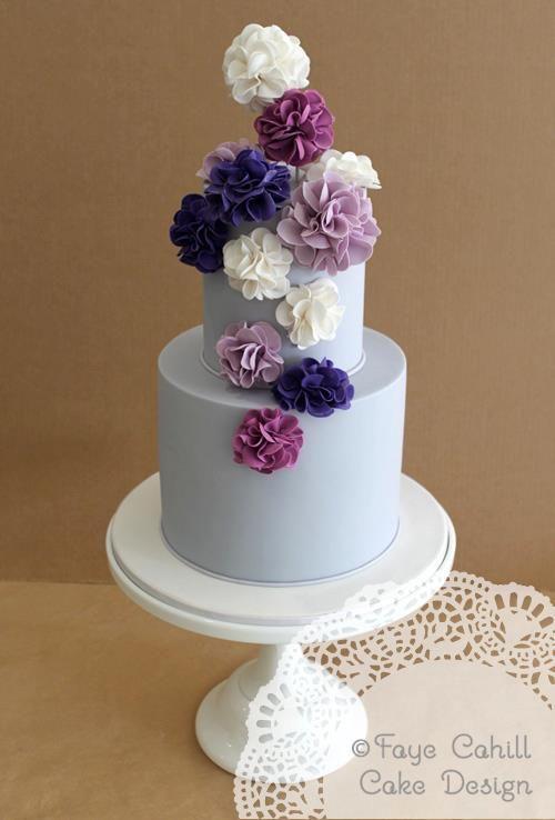pon pon per decorare la torta nuziale