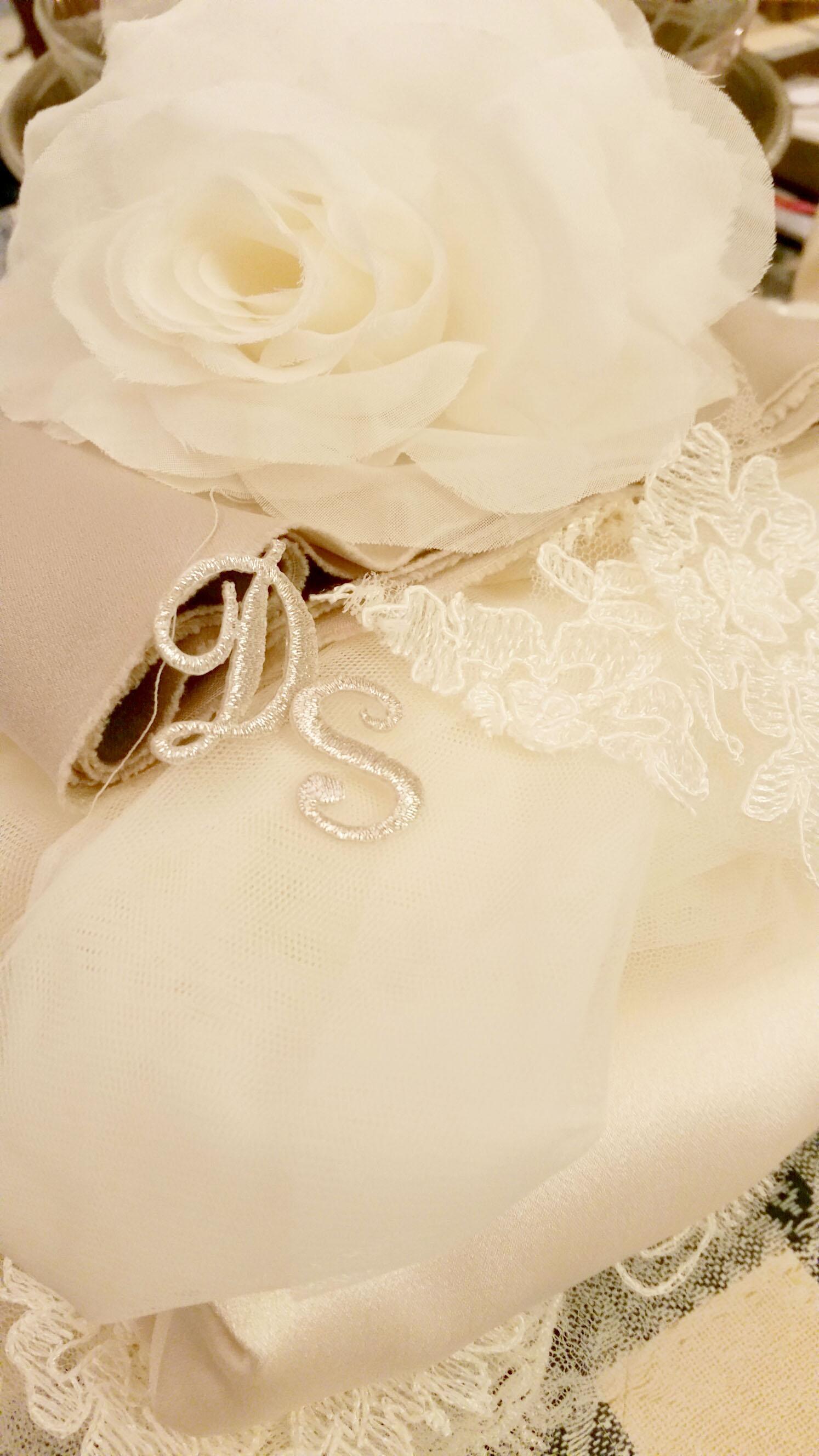 Matrimonio Tema Tessuti : Abiti da sposa premaman per matrimonio a tema musica sr