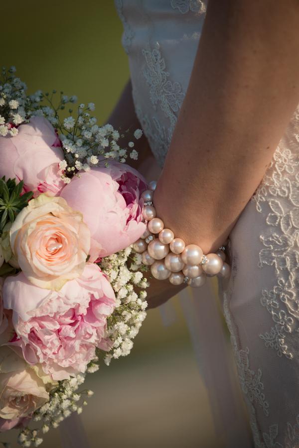 gioielli disegnati da Daisy & co. per abito sposa Pistoia