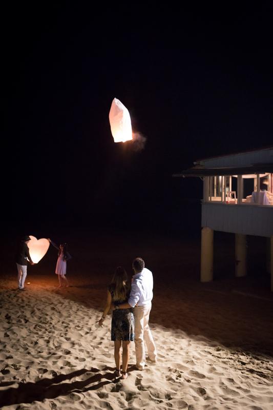 lancio delle lanterne sul mare