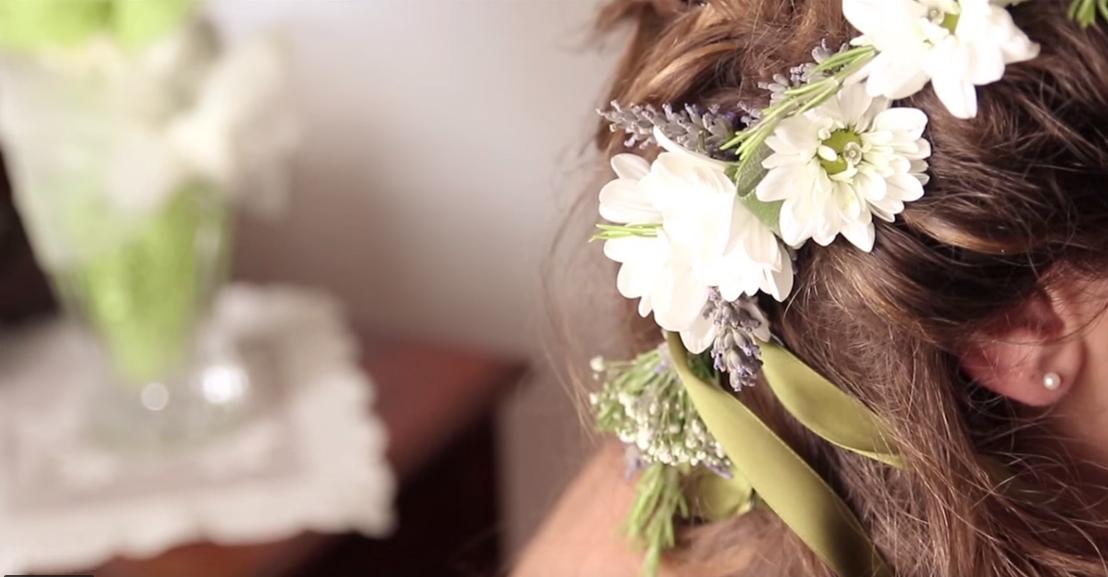 composizioni floreali matrimonio per acconciatura sposa