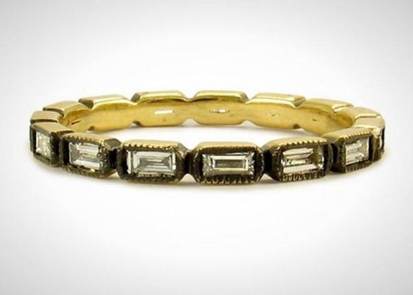 fede nuziale vintage in oro giallo anticato con pietre preziose
