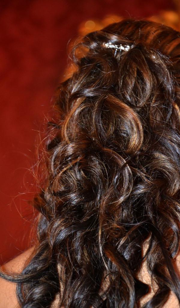 abbastanza 18 Acconciature sposa capelli lunghi per risparmiare | SR blog ZE16