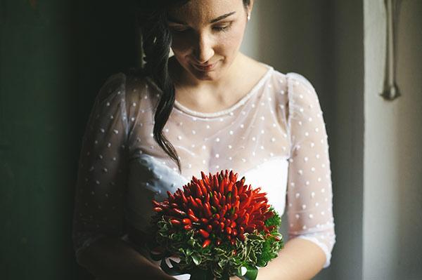 alternative ai fiori di matrimonio: i peperoncini per il bouquet della sposa