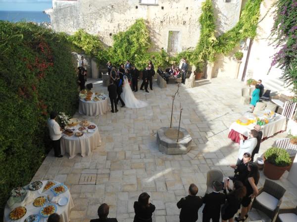 pranzo di nozze in uniforme in Calabria nel Palazzo delle Clarisse, Amantea (CS). Ex convento di monache di clausura