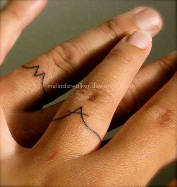 tatuaggi fedi nuziali a monogramma