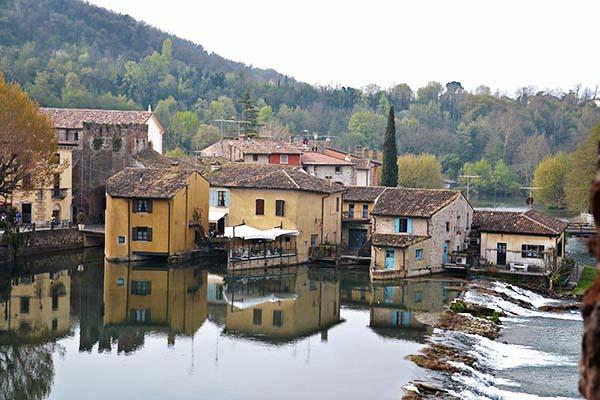 Borghetto visto dal Ponte visconteo di Valeggio sul Mincio