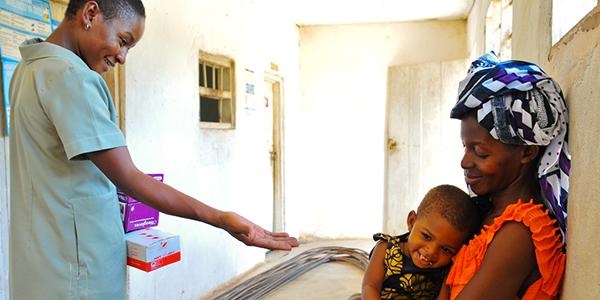 lista nozze solidale per garantire alle comunità africane cure mediche