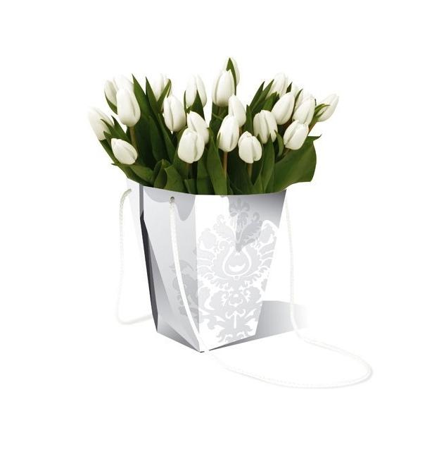 idee decorazione centrotavola matrimonio: vaso low cost di carta