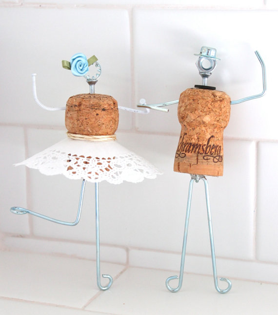 cake topper economici con i tappi delle bottiglie