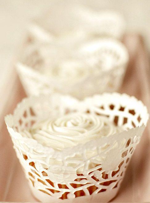 pirottini per cup cakes con i centrini di carta