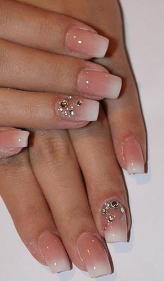 Molto Unghie in gel: 32 nail art sposa favolose | SR wedding blog TS01