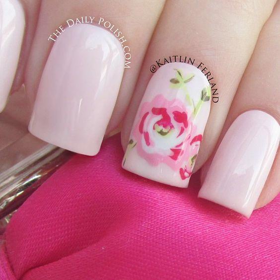 unghie gel nail art sposa con rosa dipinta