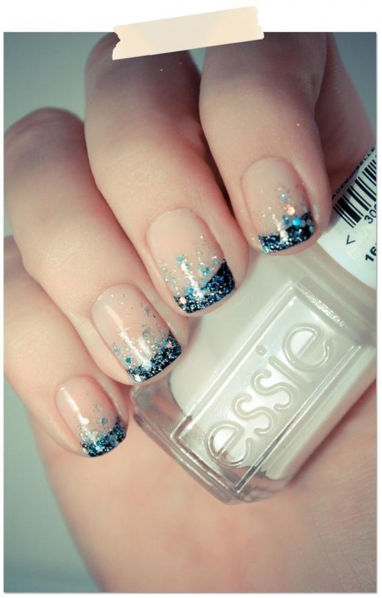 unghie gel nail art sposa con french e glitter blu