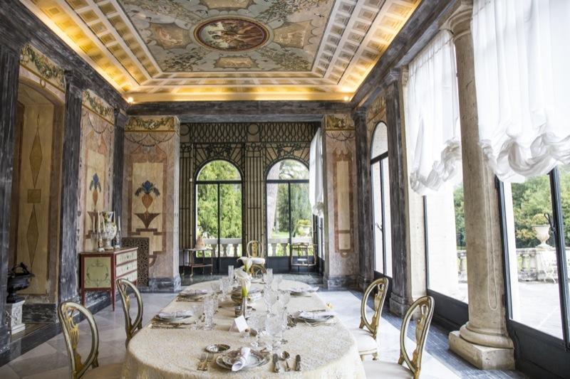 allestimento tavolo invitati matrimonio a tema Il Grande Gatsby