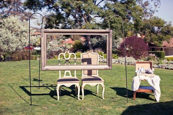 photo booth matrimonio fai da te con cornice in legno