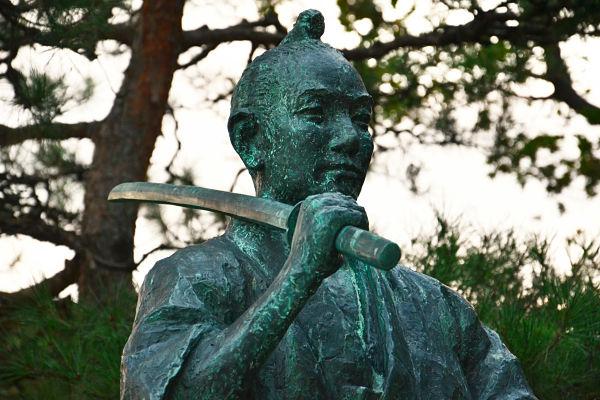 statua del samurai a Takayama