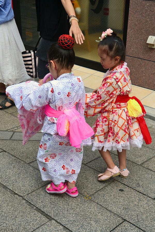 bambine Tempio Sensoji Tokyo