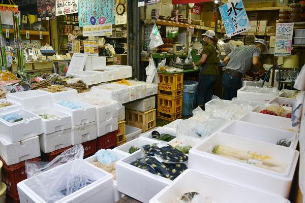 mercato del pesce Tsukiji a Tokyo
