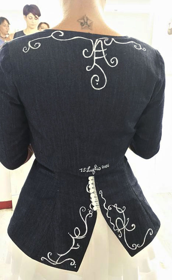corpetto personalizzato abito da sposa jeans
