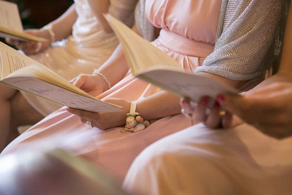 dress code matrimonio a tema libri e chiavi