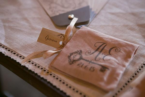 Matrimonio Tema Chiavi : Matrimonio a tema libri e chiavi antiche erica andrea