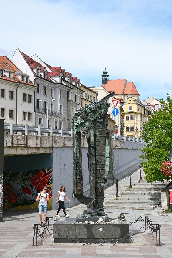 scultura memoriale dell'olocausto Bratislava