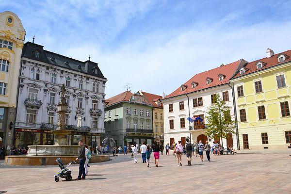 piazza principale della città vecchia di Bratislava