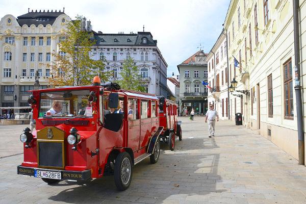 Hlavne namestie Bratislava