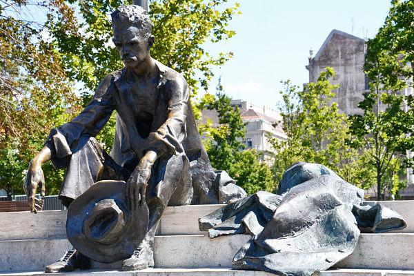 statue del parlamento di Budapest