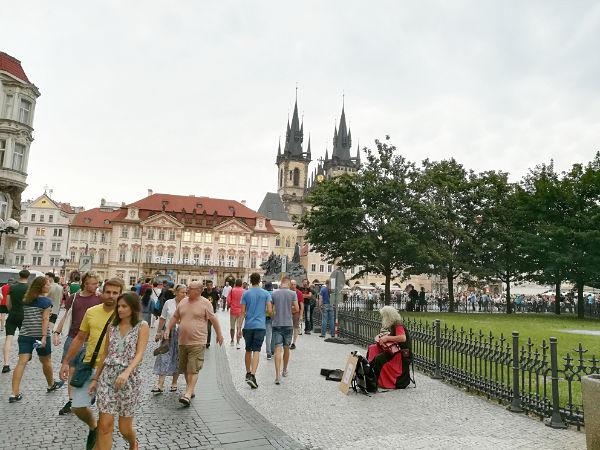 Týnský Chrám e Palazzo Kinský Praga