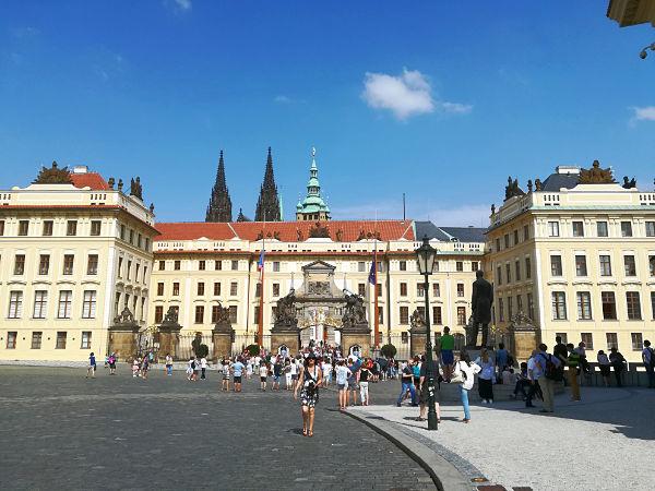 piazza del Castello di Praga