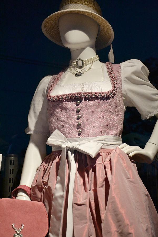abito da donna tradizionale viennese