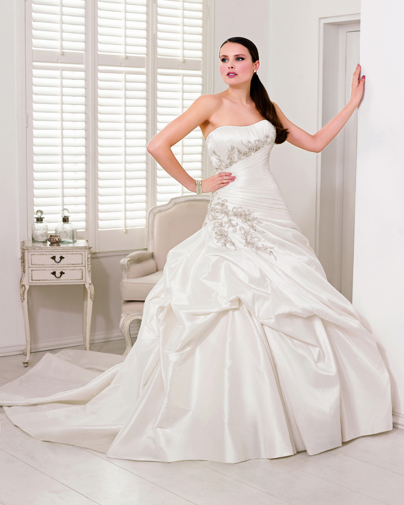 abito da sposa in taffetà