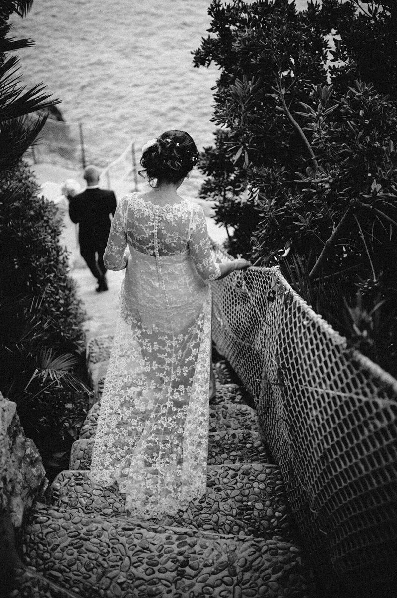 abito sposa per matrimonio sul mare