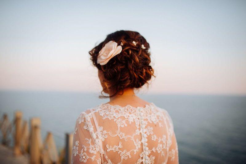 Abito da sposa rosa in pizzo a sirena