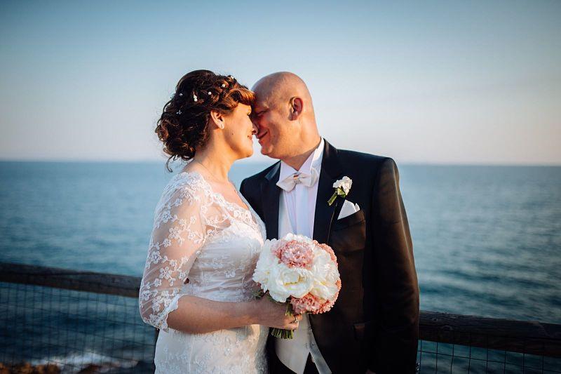 abbigliamento per chi si sposa al mare